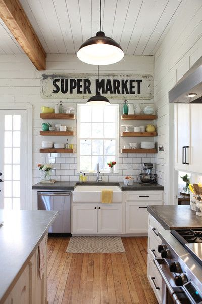 modern-farmhouse-style-joanna-gaines-fixer-upper-wood-kitchen