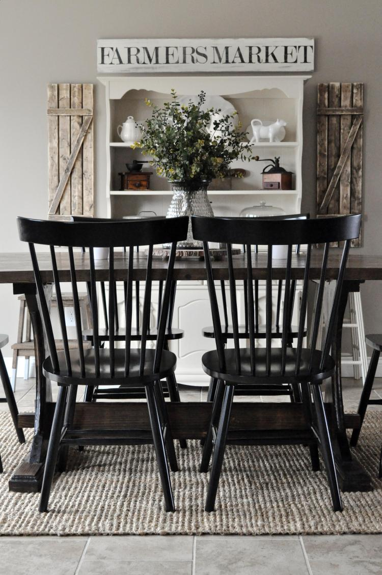 farmhouse-style-dining-room-black-and-white