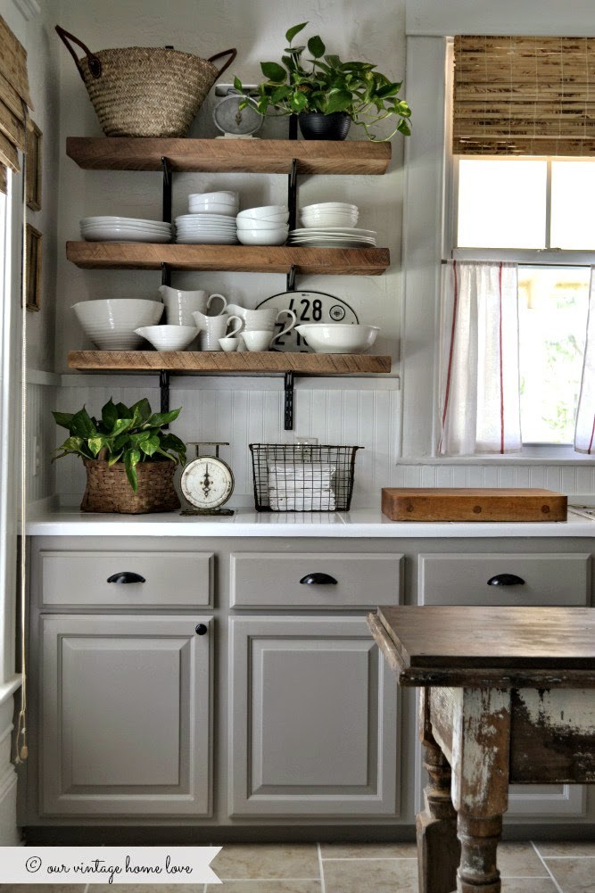 farmhouse-style-kitchen-open-shelves