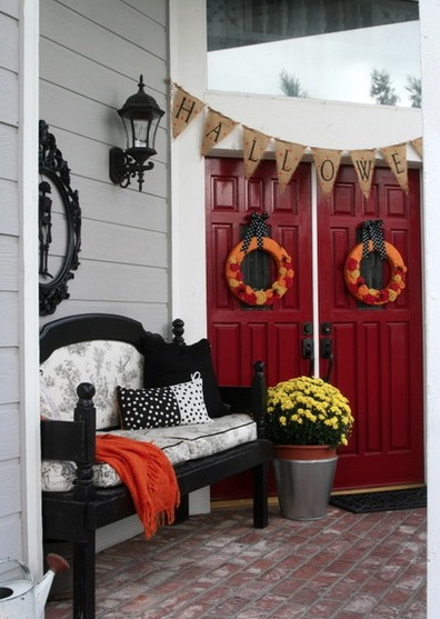 halloween-decorations-stylish-front-door-entry