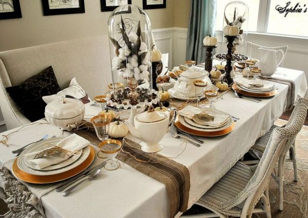black-white-thanksgiving-table