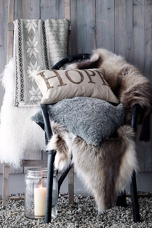faux-fur-holiday-decor-trends
