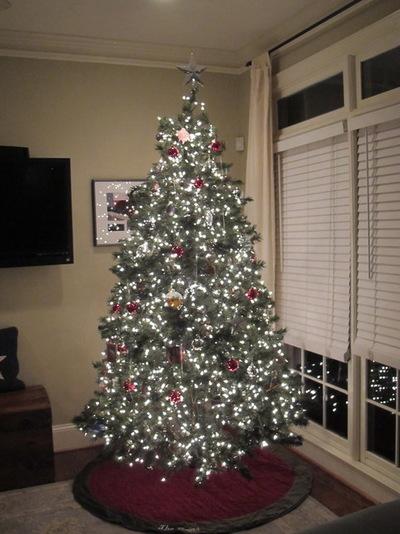 houzz-how-to-properly-light-christmas-tree.jpg
