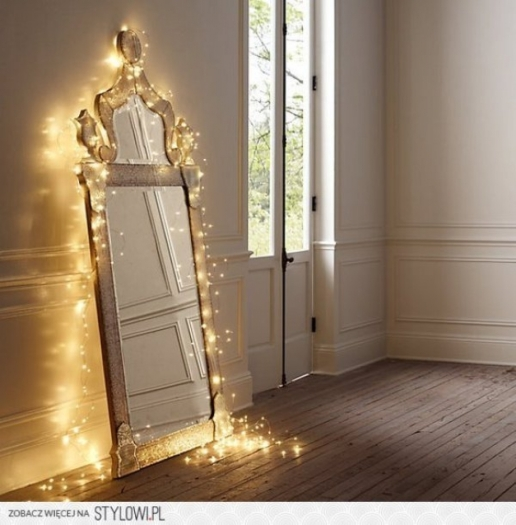 indoor-christmas-light-decorating-ideas-12-ideas-for-year-round-christmas-lights-decoration-in-the-bedroom