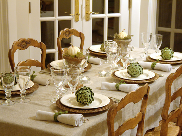 rms_tetbury-antique-dining-table-with-fall-details-tight_s4x3_lg