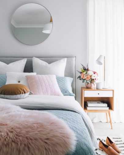 analogous-palette-pantone-color-of-the-year-interior