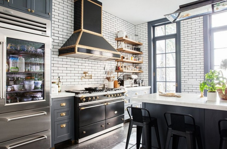 backsplash-kitchen-tile-interior-design-black-white-stainless-steel
