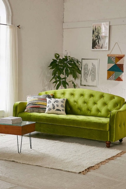 greenery-pantone-color-of-the-year-couch-lounge-art-diy-green-living-room