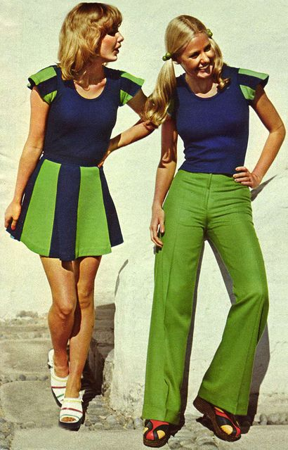 greenery-pantone-color-of-the-year-green-fashion-trend-trending-style-dress-runway-vintage-70s-bell-bottoms-retro-old-school