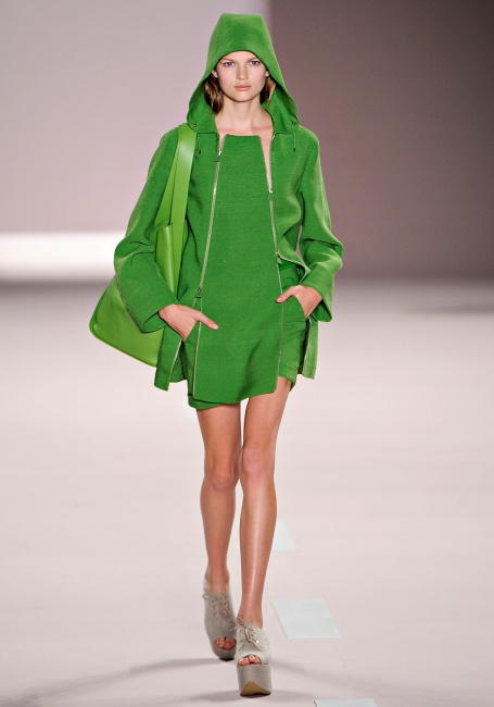 greenery-runway-pantone-color-of-the-year-fashion-green-trending-trend-style