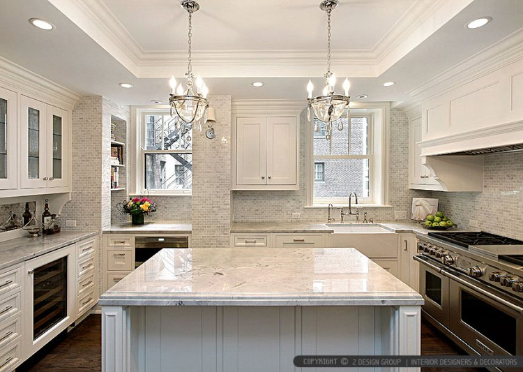 white-cabinet-countertop-calacatta-gold-mosaic-backsplash-tile