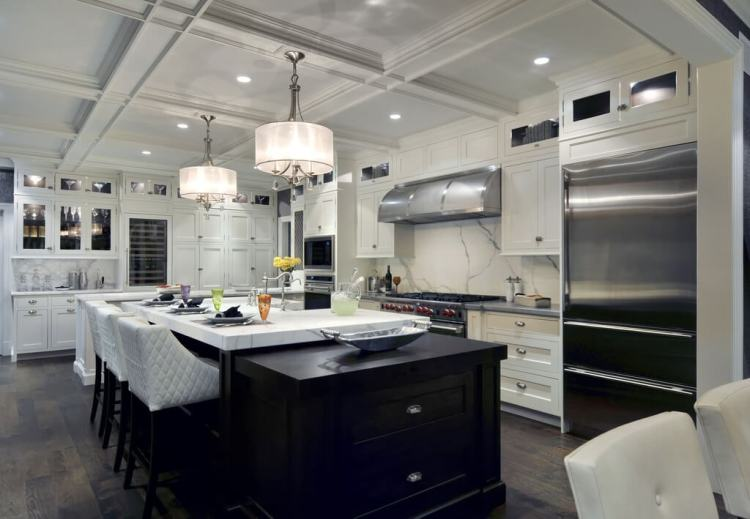 luxurious-kitchen-interior-design-marble-backsplash