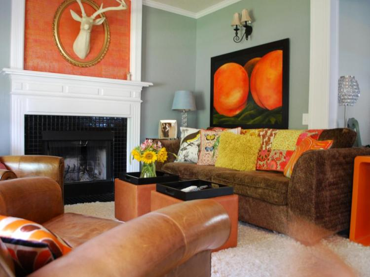 warm-color-inspiration-interior-design-orange-pillow