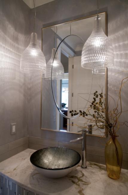 Mariana-Home-mirror-glam-bathroom-design-interior-modern-gold-silver