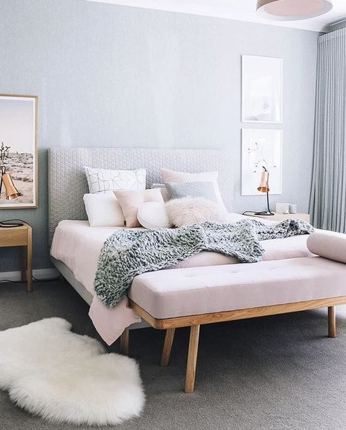 pastel-pink-comfroting-bedroom