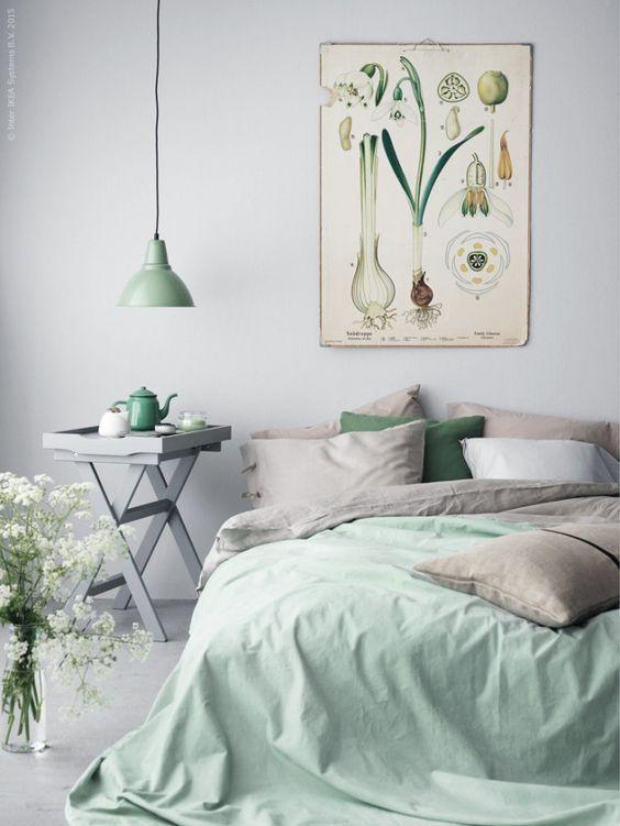 relaxing-pastel-green-bedroom