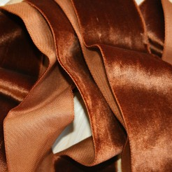 brown-velvet-ribbon